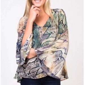 Show me your mumu  bell sleeve Lizzie top size XS